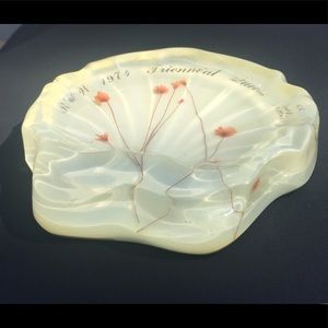 Vintage 1974 Lucite Shell Queen Mary Soap Dish